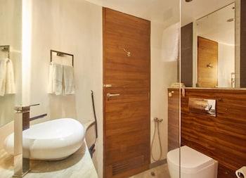 The Promenade - Bathroom  - #0