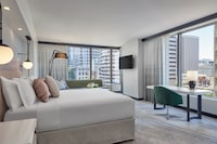 Grand Suite, 1 King Bed, City View, Corner