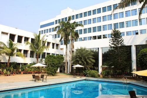 . Hotel Maurya