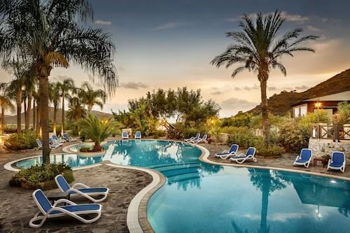 . Cruccuris Resort