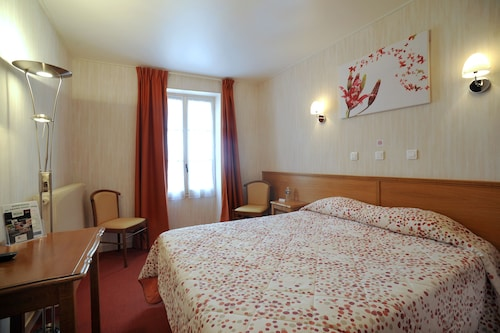 __{offers.Best_flights}__ Brit Hôtel Au Grand Saint Jean