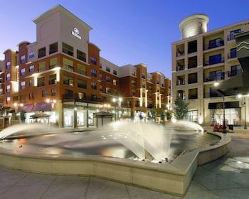 布蘭森蘭丁希爾頓漫步飯店 Hilton Promenade at Branson Landing