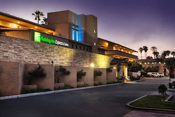 Hotel - Holiday Inn Express Hotel & Suites Ventura