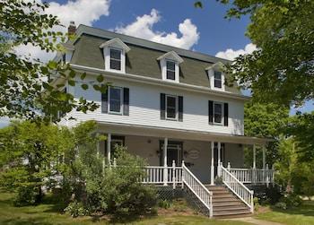 Hotel - Blueberry Cove Inn