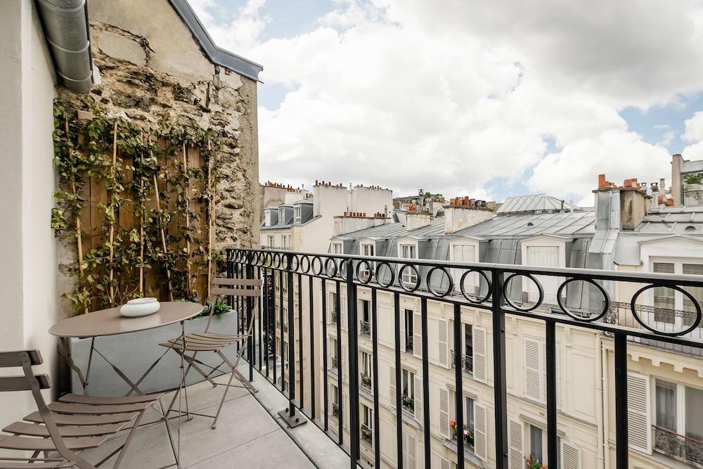 Hotel Arc de Triomphe, Room