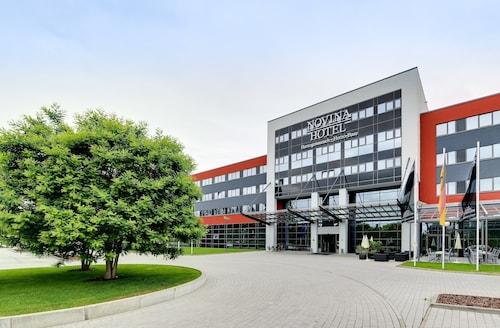 . NOVINA HOTEL Herzogenaurach Herzo-Base