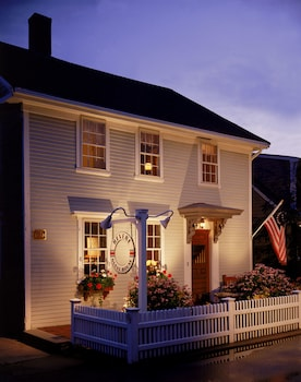 Hotel - The Revere Guest House