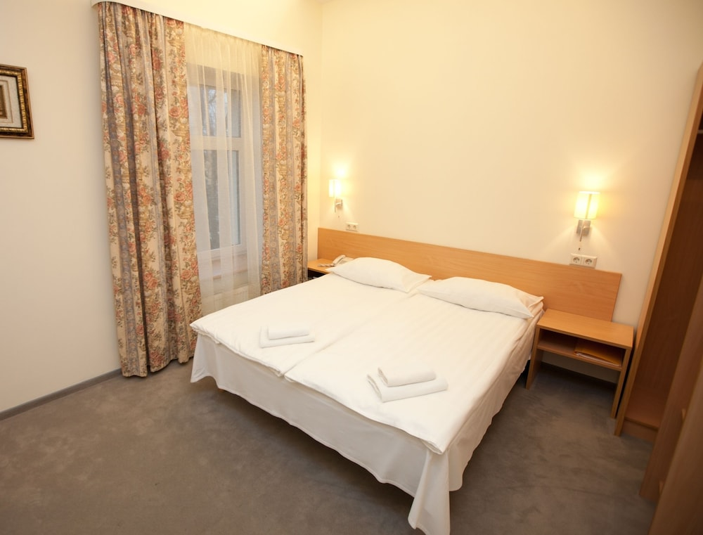 Toss Hotel, Riga
