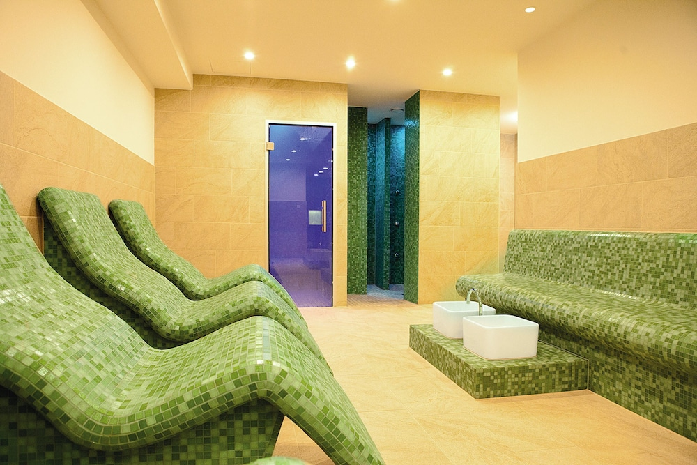 로만티크 호텔 푹스바우(Romantik Hotel Fuchsbau) Hotel Image 42 - Spa Treatment