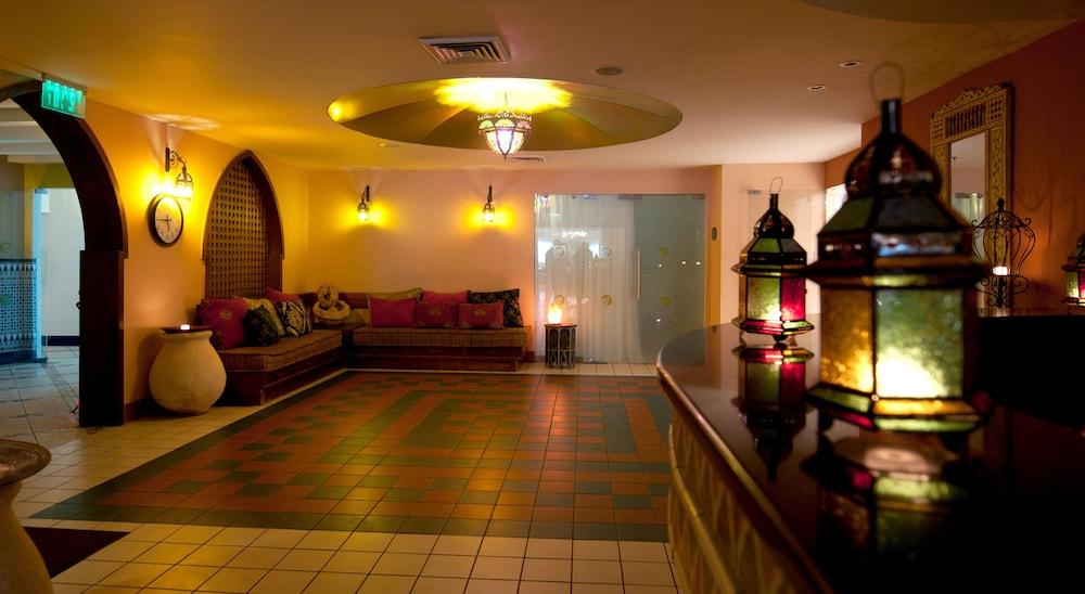 https://i.travelapi.com/hotels/2000000/1510000/1503000/1502981/74bd4893_z.jpg