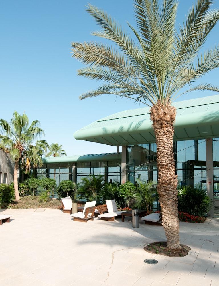 https://i.travelapi.com/hotels/2000000/1510000/1503000/1502981/d5c09c94_z.jpg