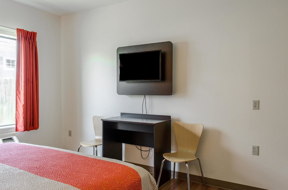 Deluxe Room, 1 Double Bed, Non Smoking, Refrigerator & Microwave