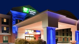 Holiday Inn Express Hotel & Suites Drums, an IHG Hotel