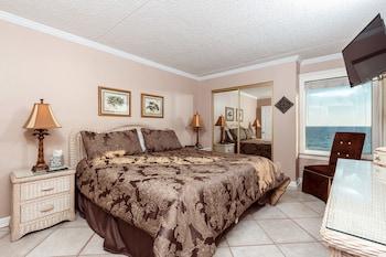 Condo, 2 Bedrooms, 2 Bathrooms, Sea Facing