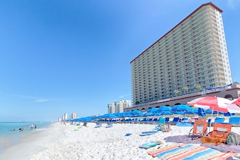 Book Sunrise Beach Resort by Wyndham Vacation Rentals in Panama City Beach.