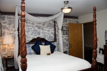 Deluxe Room, 1 Queen Bed, Jetted Tub (English Spa)