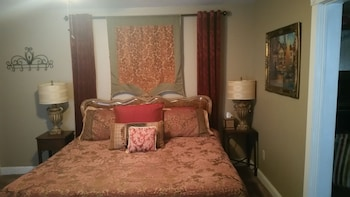 Executive Room, 1 King Bed, Fireplace (Italian Suite)