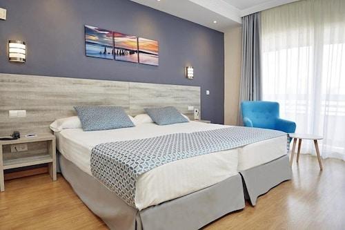 Alicante - Hotel Maya - z Warszawy, 17 kwietnia 2021, 3 noce
