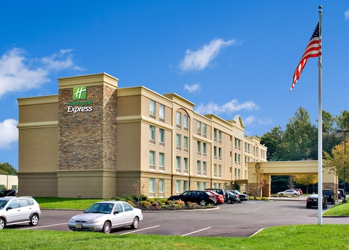 . Holiday Inn Express Hotel & Suites West Long Branch, an IHG Hotel