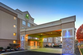 朗布蘭奇西智選假日套房飯店 Holiday Inn Express Hotel & Suites West Long Branch