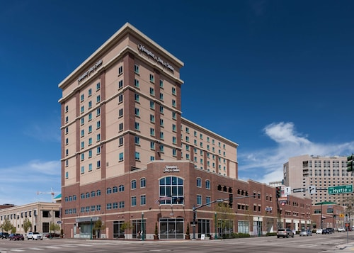 . Hampton Inn & Suites Boise-Downtown