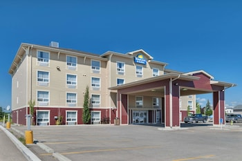 Hotel - Days Inn & Suites by Wyndham Cochrane