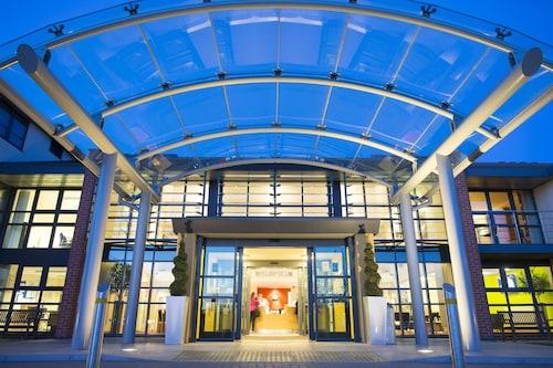 __{offers.Best_flights}__ Burleigh Court Hotel