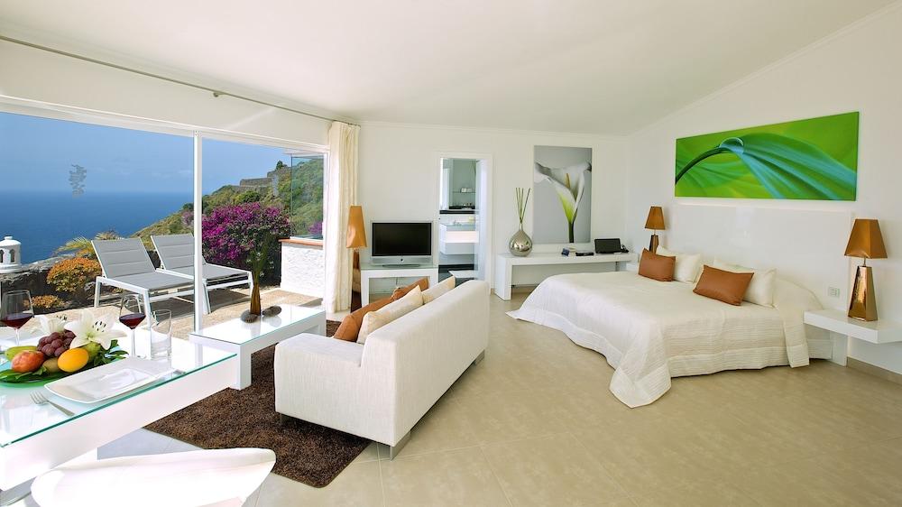 Jardin de la Paz, Room