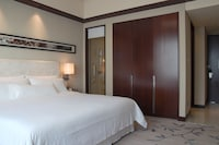 Westin Room, 2 Twin Beds, City View