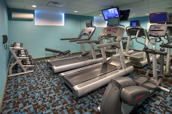 Sports Facility at Fairfield Inn by Marriott New York LaGuardia Airport/Astoria in Astoria