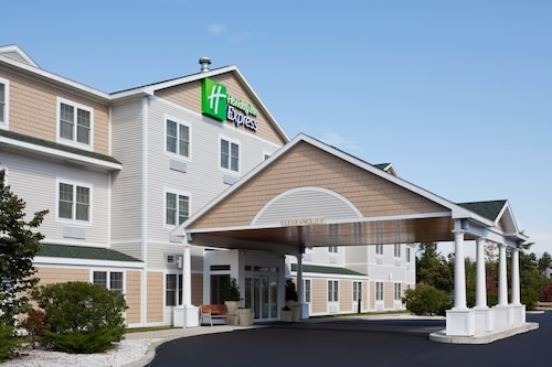 . Holiday Inn Express Hotel & Suites Freeport