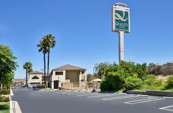 Quality Inn Lake Elsinore I 15 Lake Elsinore Ca Reservations Com