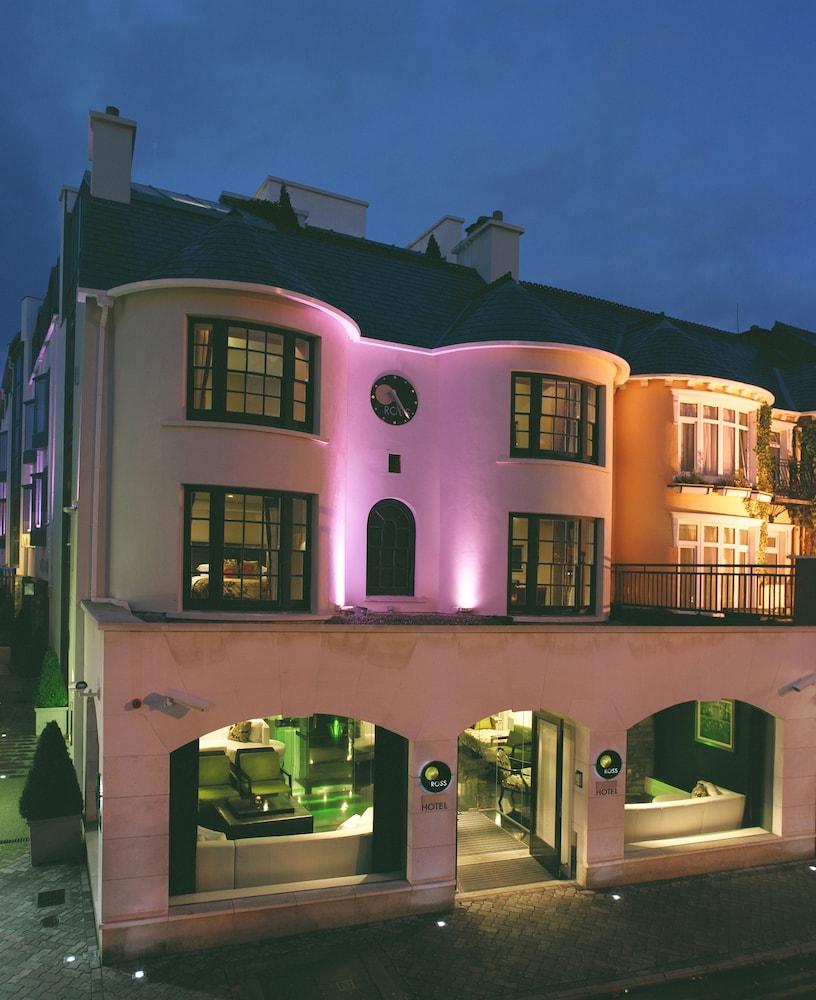 https://i.travelapi.com/hotels/2000000/1520000/1510100/1510001/5eaa69fe_z.jpg
