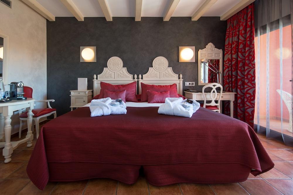 https://i.travelapi.com/hotels/2000000/1520000/1510100/1510003/2de93797_z.jpg