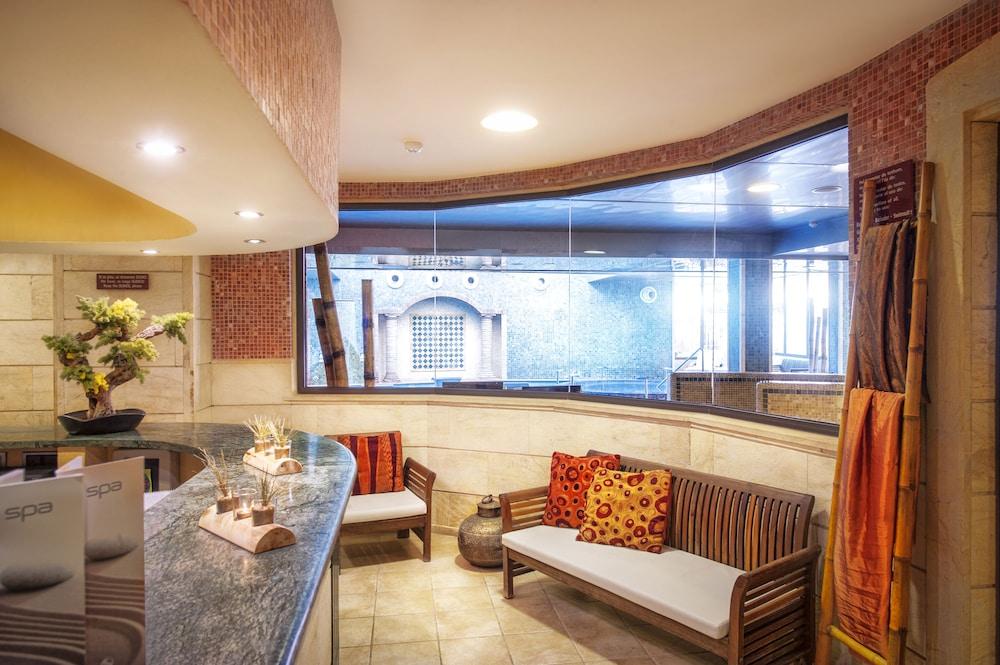 https://i.travelapi.com/hotels/2000000/1520000/1510100/1510003/5f9a7d9b_z.jpg