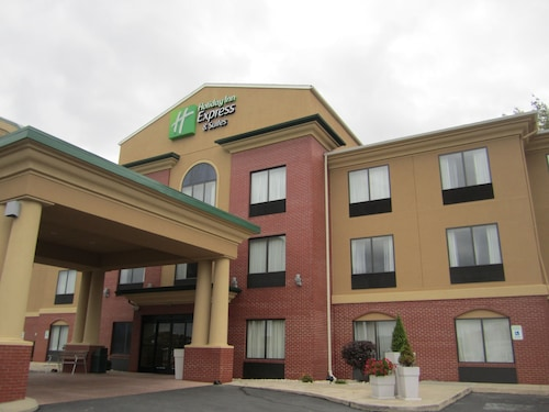 . Holiday Inn Express Hotel & Suites DuBois