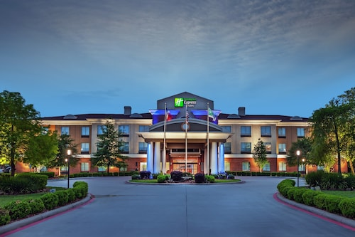. Holiday Inn Express Hotel & Suites Orange
