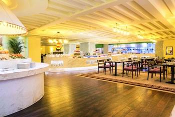 Grand Mercure Urumqi Hualing - Breakfast Area  - #0
