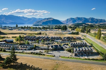 Oakridge Resort Lake Wanaka - Featured Image