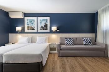 Superior Room (Large)