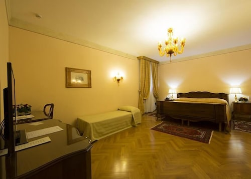 __{offers.Best_flights}__ Villa Fenaroli Palace Hotel