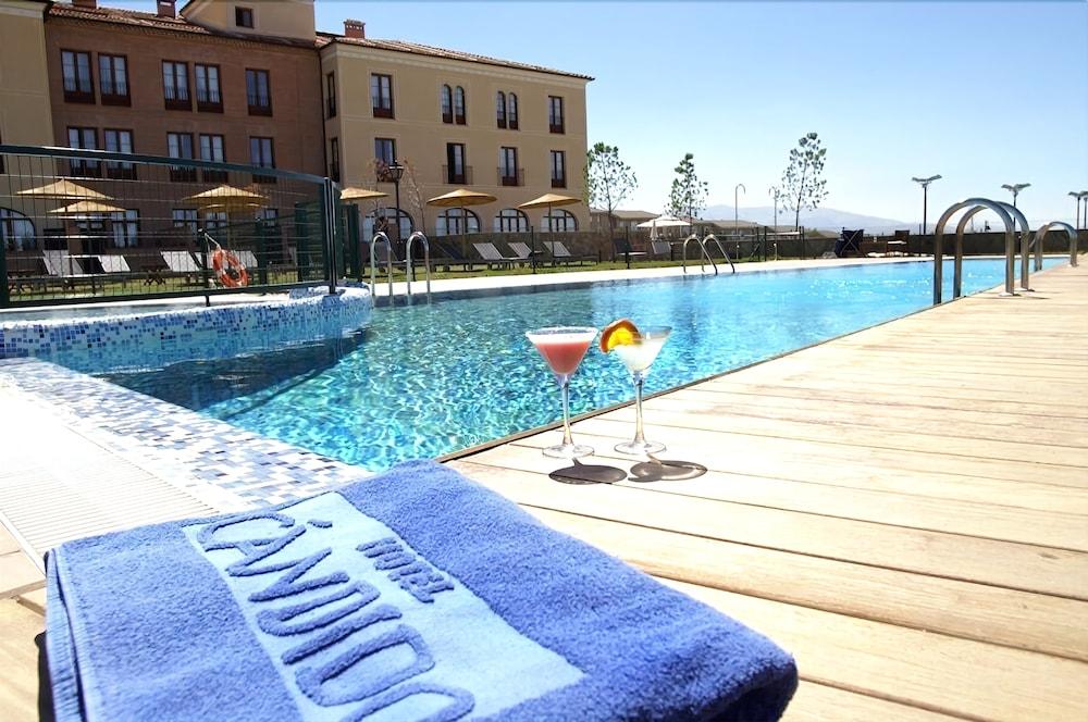 Hotel Cándido, Featured Image