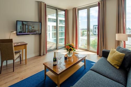 Premier Suites Dublin Sandyford,