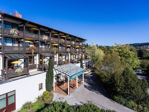 __{offers.Best_flights}__ AktiVital Hotel