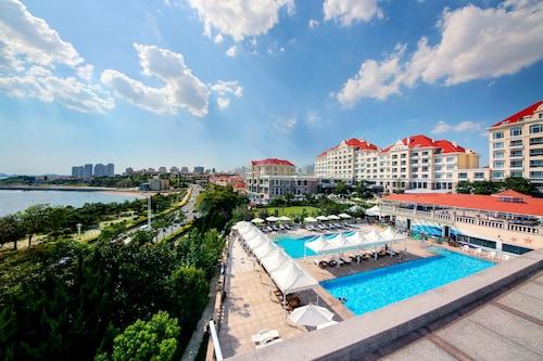 . Qingdao Seaview Garden Hotel