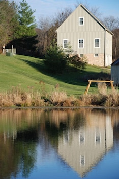 Hawk Valley Retreat and Cottages