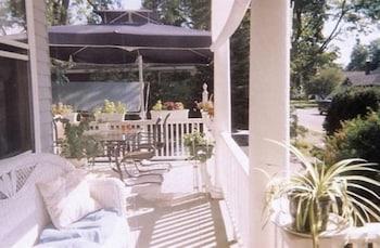 Fleetwood House Bed & Breakfast - Exterior  - #0