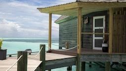 Honeymoon Suite, Overwater