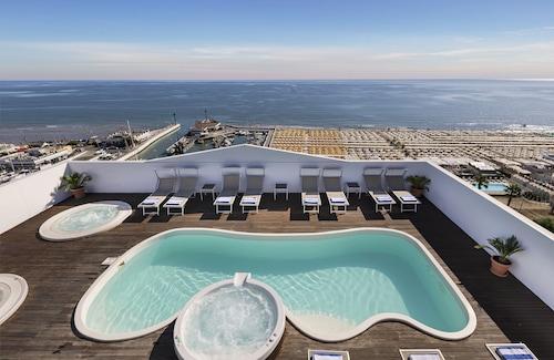 __{offers.Best_flights}__ Hotel Nautico