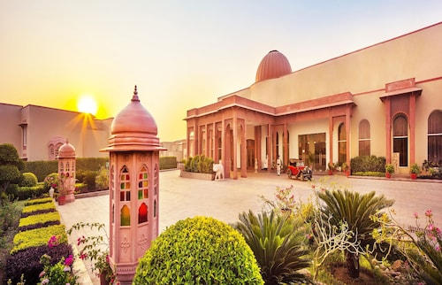 . Orchha Palace and Convention Centre